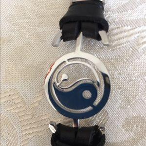"""8.25"""" bracelet with wave design"""